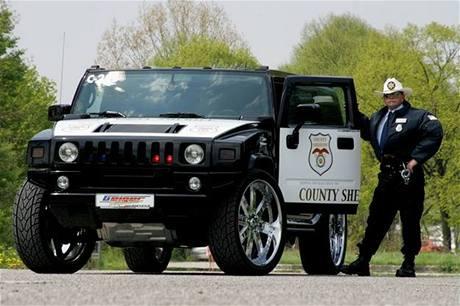 Šerifský Hummer H2