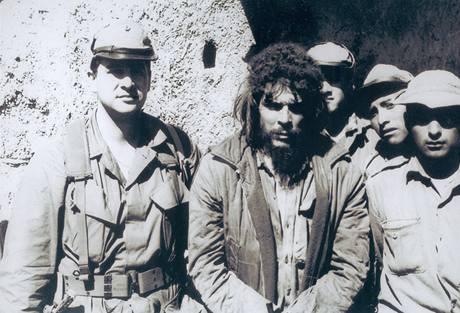 Felix I. Rodriguez a zatčený Che Guevara