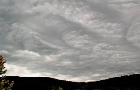 Neobvyklá oblačnost nad Českem - Jeseník, květen 2006