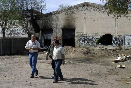 Vyšetřovatelé zkoumají okolnosti ničivého požáru