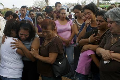 V Mexiku už se konaly první pohřby dětí z osudné školky