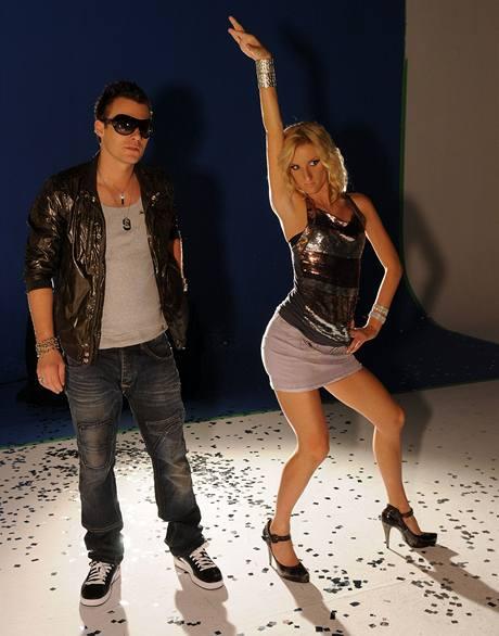 Leoš Mareš a Adela Banášová během natáčení upoutávky