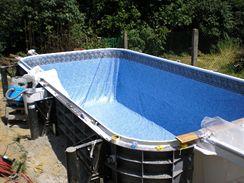 Pokládání bazénové fólie