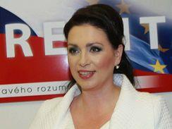 Jana Bobošíková z koalice Suverenita čeká na výsledky eurovoleb. (7. června 2009)