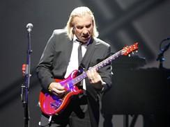 Eagles vystoupili poprvé v Česku - Joe Walsh