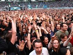 Fanou�ci na koncertu Depeche Mode