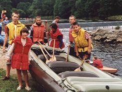Vodácké tábory patří mezi fyzicky náročnější, ale oblíbené.