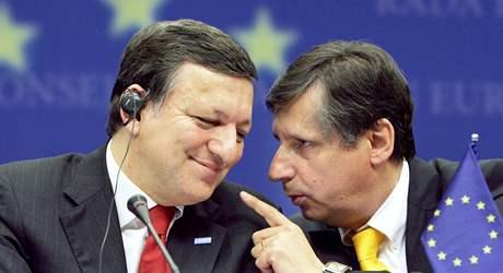 José Manuel Barroso a Jan Fischer na summitu EU v Bruselu (19. června 2009)
