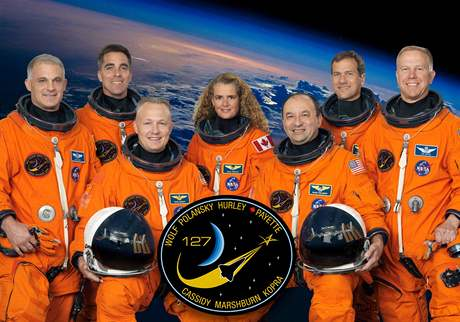 Astronauti z raketoplánu Endeavour