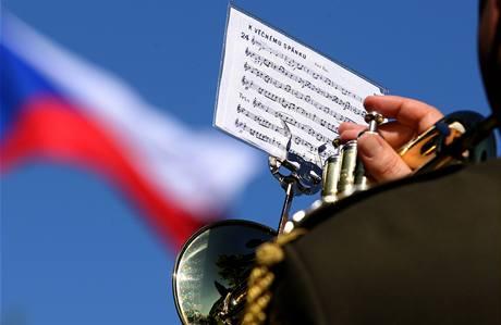 V Lidic�ch si p�ipomn�li 67 let od vyhlazen� obce. (13. �ervna 2009)