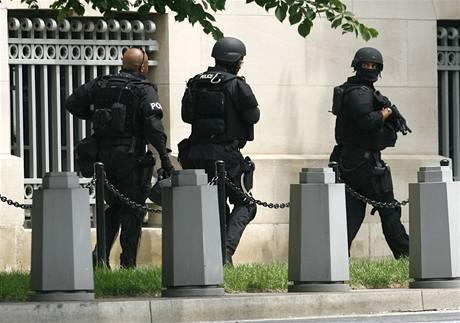 Muzeum holokaustu včera obklíčili policisté i agenti FBI