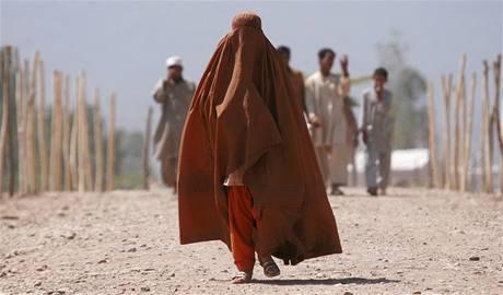 Pákistánská žena v uprchlickém táboře OSN
