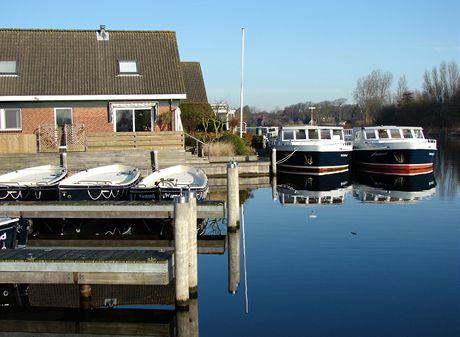 Plavba po holandských grachtech - ráno v loděnici