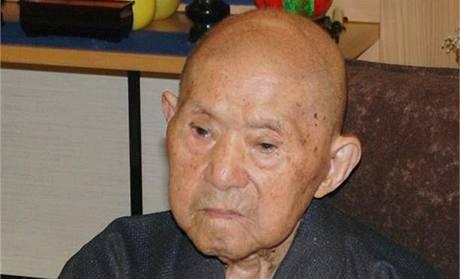 Nejstar�í mu� sv�ta Japonec Tomod�i Tanabe zem�el ve v�ku 113. let.