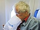 Nevolnost na palubě letadla - ilustrační foto