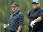 Ivan Hašek a Miroslav Kříž při partii golfu