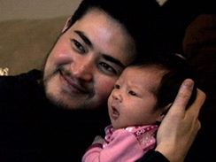 Transsexuál Thomas Beatie se svým prvním dítětem