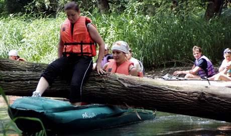 Raftování na řece Moravě.