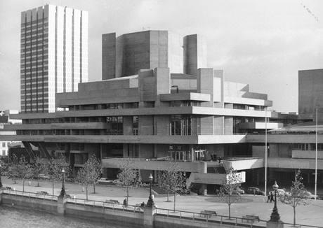 Budova Národního divadla v Londýně