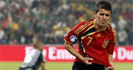 Španělský útočník David Villa se raduje z gólu, který vstřelil Jihoafrické republice