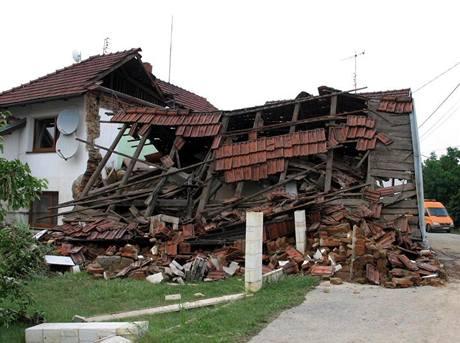 Dům sousedů rodiny Šrubařových, který zcela zničila blesková povodeň.
