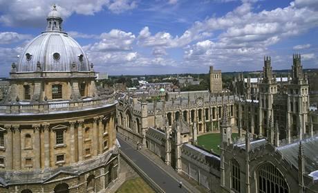 Areál univerzity Oxford dýchá slavnou minulostí