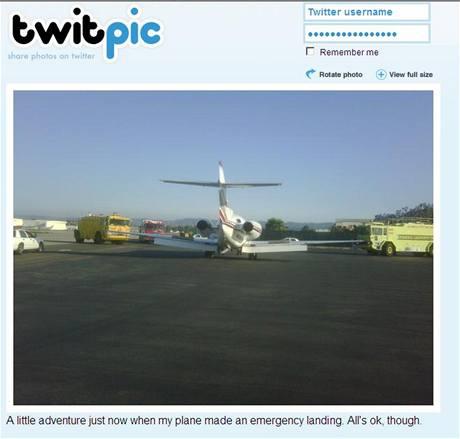 Letadlo Arnolda Schwarzeneggera po nouzovém přistání v San Fernando (19. června 2009)