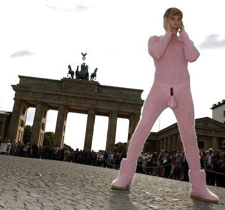 Britský komik Sacha Baron Cohen alias Brüno - premiéra filmu v Německu
