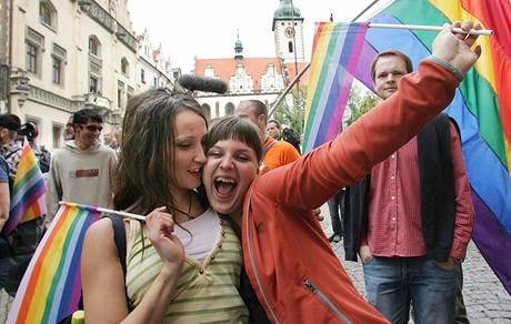 Účastnice festivalu Queer Parade v Táboře (20. června 2009)