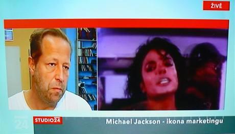 Česká televize se úmrtí Michaela Jacksona věnuje ve zvláštních vstupech.