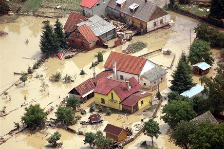 Letecké záběry škod z Novojičínska a Jeseníka nad Odrou.