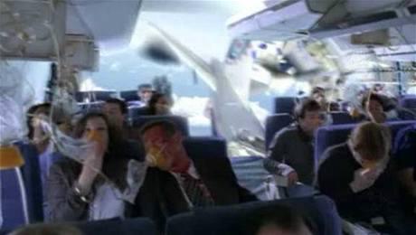 Snímky z kultovního seriálu Ztraceni, které byly v médiích zaměněny se skutečnými snímky z leteckého neštěstí