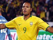 Brazílie - Itálie: brazilský útočník Luis Fabiano oslavuje gól