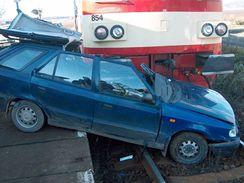 Nehoda na železničním přejezdu. Fotografie ke kampani Stop nehodám! Evropa pro bezpečnější přejezdy