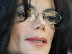 Michael Jackson na snímku z roku 2004
