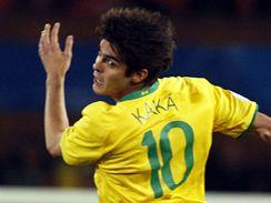 Brazílie - Itálie: vlevo itelský obránce Fabio Cannavaro, vpravo brazilský útočník Kaká