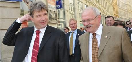 Brněnský primátor Roman Onderka, slovenský prezident Ivan Gašparovič.
