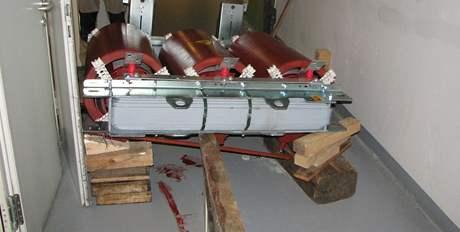 Hasiči v centru Brna vyprostili muže, kterého zavalil téměř dvoutunovým transformátor