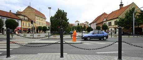 Částečně zprůjezdněná silnice v Bučovicích - řidiči se dostanou ze Slavkova až do Ždánic