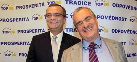 Miroslav Kalousek a Karel Schwarzenberg na tiskové konferenci strany TOP 09 v Praze (11. června 2009)