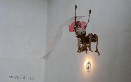 Výstava Čtrnáct S v pražském uměleckém centru DOX. František Skála: Triumf smrti, 2009.