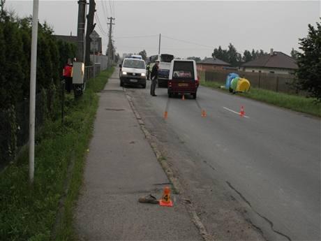 Policie na místě tragické nehody ve Svidanově na Frýdecko-Místecku