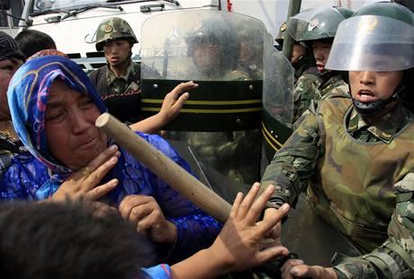 Nepokoje v ��nsk� Ujgursk� autonomn� oblasti Sin-�iang (7. �ervence 2009)