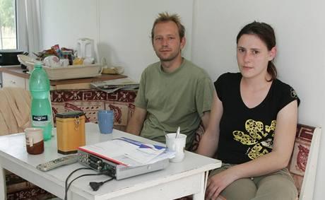 Manželé Peřinovi bydlí ve dvou kontejnerech