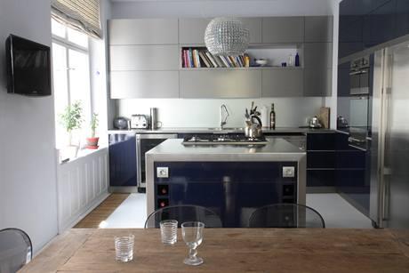 Kuchyn� s ostr�vkem