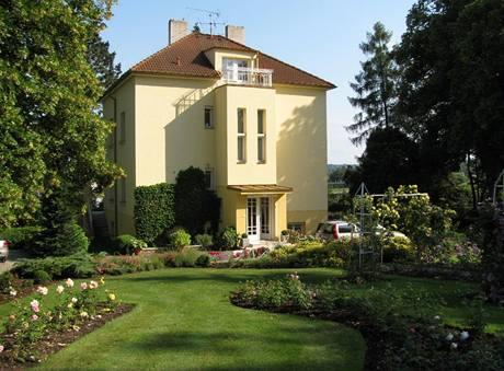 Pohled na dům na straně vstupu
