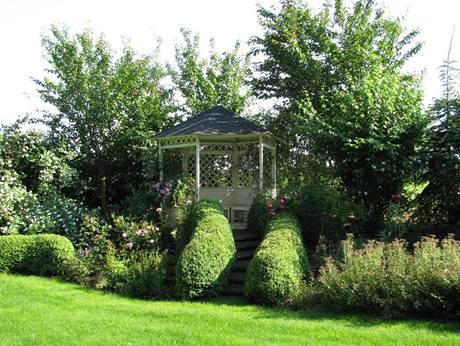 Zahradní altán přežil desítky let