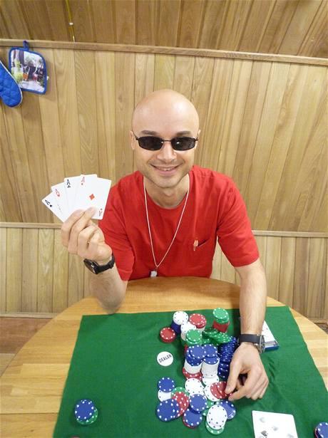 Mars 500 - Velký hráč pokeru Cyrille Fournier.