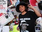 Fanoušci přišli uctít památku Michaela Jacksona