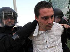 Příznivci zrušené Maďarské gardy se v Budapešti střetli s policií. (4.7.2009)